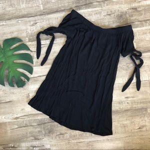 Dresses & Skirts - Black Short Off the Shoulder Tie Sleeves dress